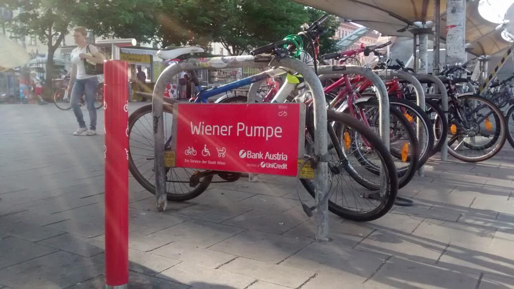 Fahrradpumpe in Wien (c) DM