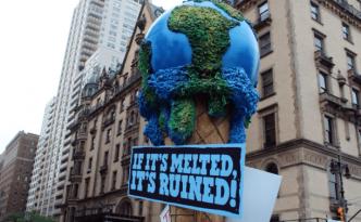 Proteste gegen die Klimaerwärmung. Viele Staaten gaben nur unzureichende INDCs ab.